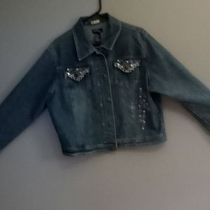 JAZZIECropped Jean Jacket with embroidery designs
